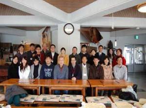 学生との記念写真 (1)